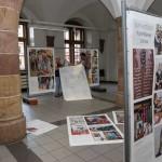 Aufbau der Ausstellung im historischen Hauberisser-Saal