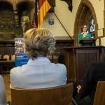 Lisa Fuhr stellt die Ausstellung vor